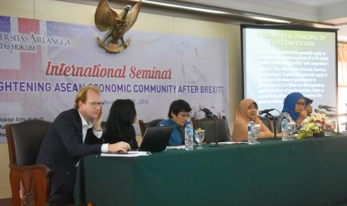 Perkuat Pemahamam ASEAN Economic Community, FH UNAIR Adakan Seminar Internasional