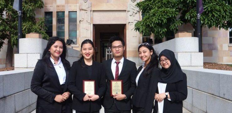 Mahasiswa FH Unair Menyabet Dua Penghargaan di Australia
