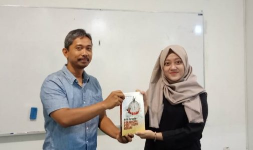 HUMAN RIGHTS LAW STUDIES FACULTY OF LAW AIRLANGGA UNIVERSITY HELD LEARNING CIRCLE ON LEGAL POSITIVISM