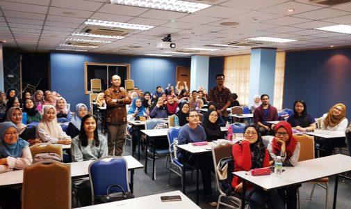 KULIAH TAMU DI UNIVERSITI TEKNOLOGI MARA (UiTM) MALAYSIA