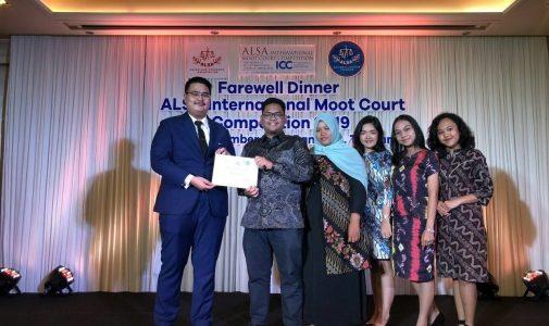 ALSA LOCAL CHAPTER UNIVERSITAS AIRLANGGA BERPARTISIPASI DALAM ALSA INTERNATIONAL MOOT COURT COMPETITION 2019