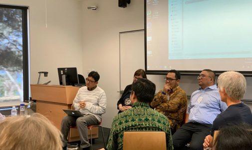 HERLAMBANG, DOSEN FH UNAIR PRESENTASI KEMBALINYA OTORITARIANISME INDONESIA DI ANU INDONESIA INSTITUT CANBERRA