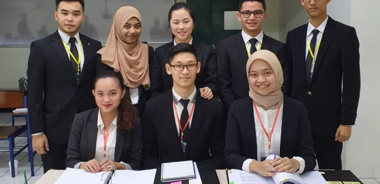 TIM PHILLIP JESSUP INTERNATIONAL LAW MOOT COURT COMPETITION FH UNAIR MEMENANGKAN NATIONAL ROUND INDONESIA