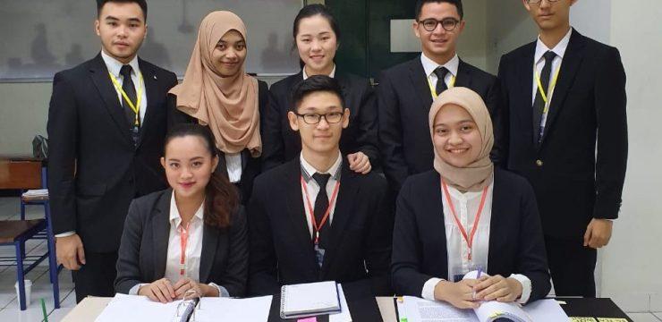 TIM PHILLIP JESSUP INTERNATIONAL LAW MOOT COURT COMPETITION FH UNAIR MEMENANGKAN NATIONAL ROUND INDONESIA